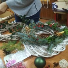 Razem robimy wianki i kartki świąteczne